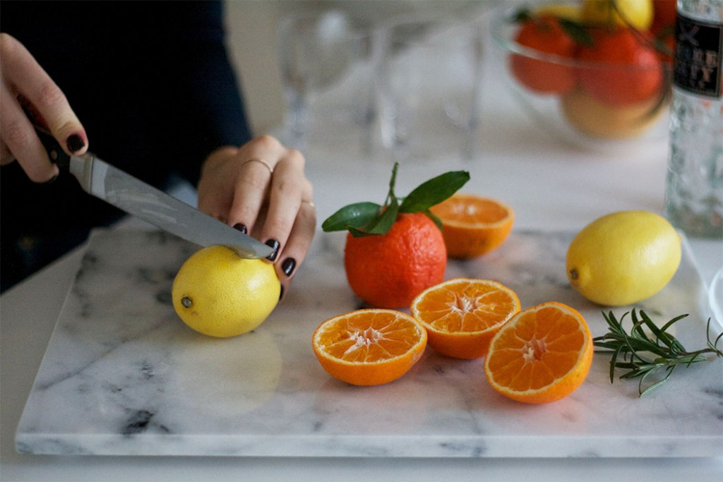 Cutting clementines Cocktail