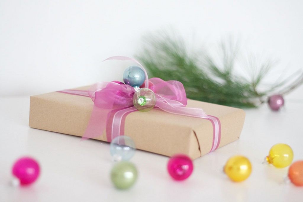 Pinke Geschenkverpackung Weihnachten basteln - DIY Blog lindaloves.de
