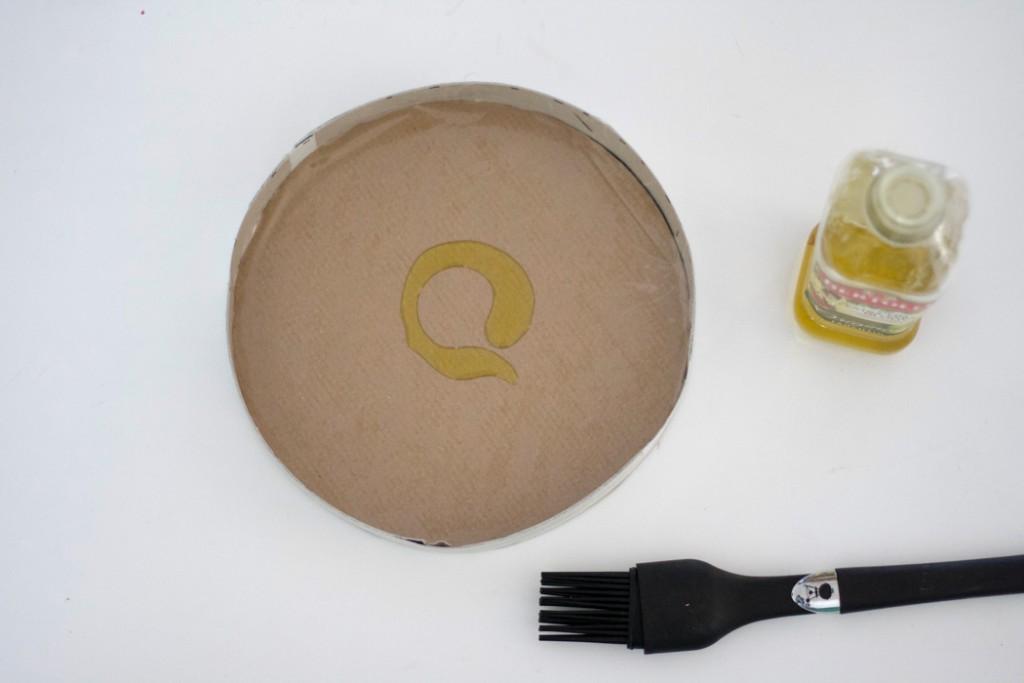 Form mit Öl auspinseln - DIY Blog