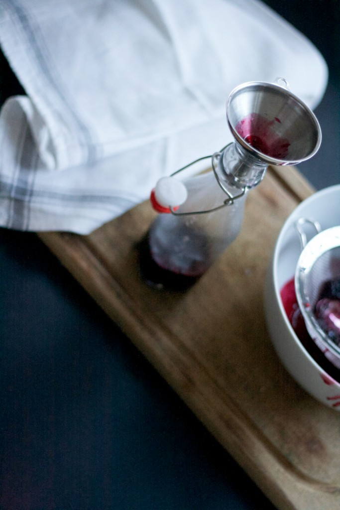 Sirup abfüllen - Kir Royal with a twist - Blackberry Rosemary Sirup