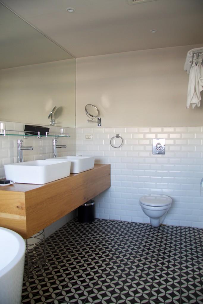 Shenkin Hotel Tel Aviv Bathroom