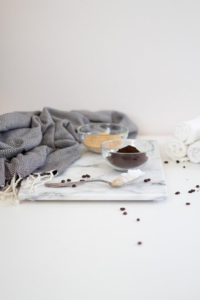 Kosmetik DIY Geschenkidee Kaffee Peeling selber machen - DIY Blog lindaloves