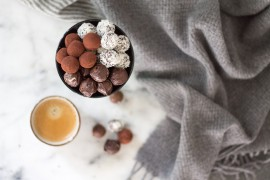 DIY Energy Balls mit Datteln und Cashews als Alternative zu den klassischen Weihnachtstrüffel leckere Geschenidee - lindaloves.de DIY Blog aus Berlin