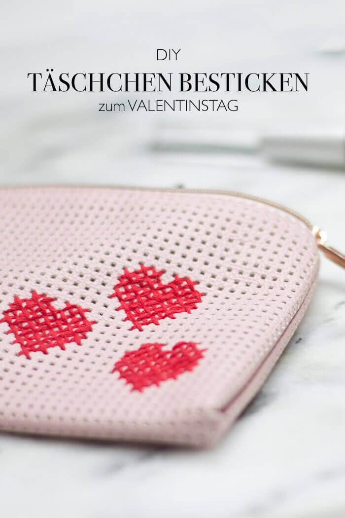 Kosmetiktasche besticken Kreuzstich Herz DIY Valentinstag
