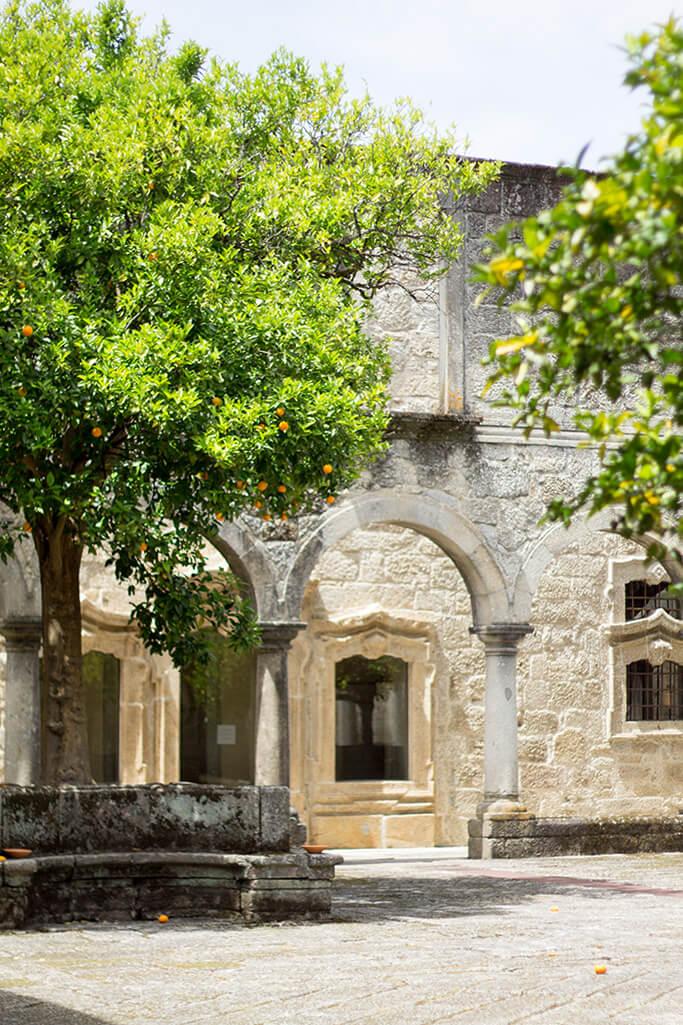 Eingang - Pousada Mosteiro de Amares – Small Luxury Hotels of the World -Reisebereicht - DIY Blog lindaloves