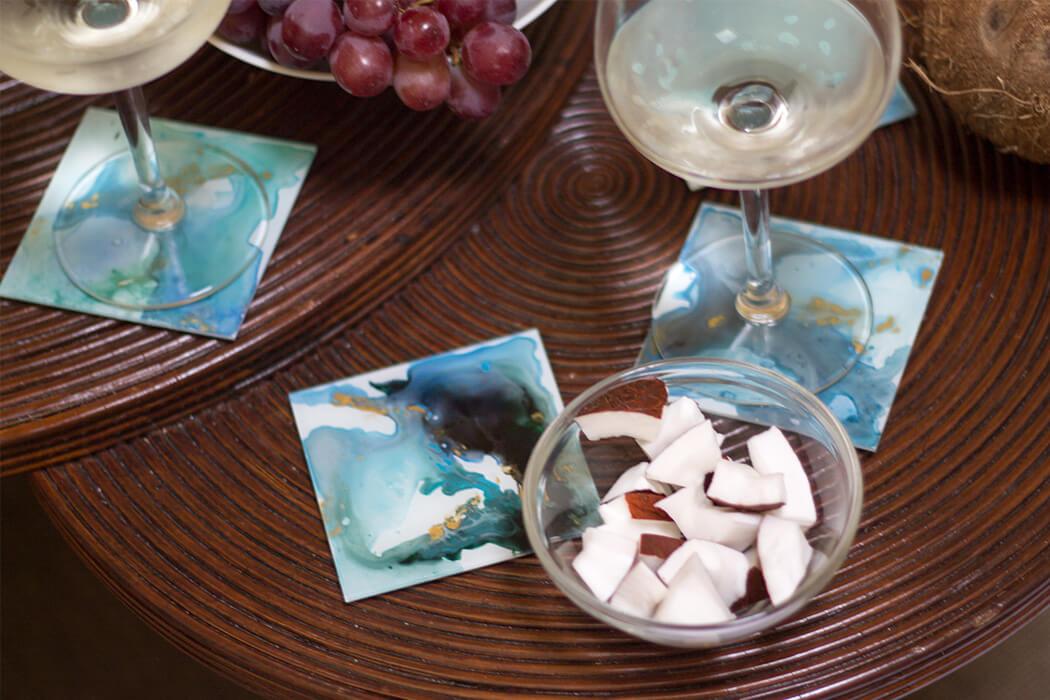 DIY Glasuntersetzer mit Wsaserfarbeneffekt aus Bilderrahmen selber machen - D I Y Blog lindaloves