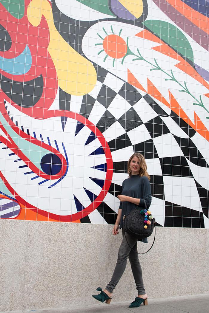 Pompons basteln - DIY Fashion Blog - Trend Strohtaschen