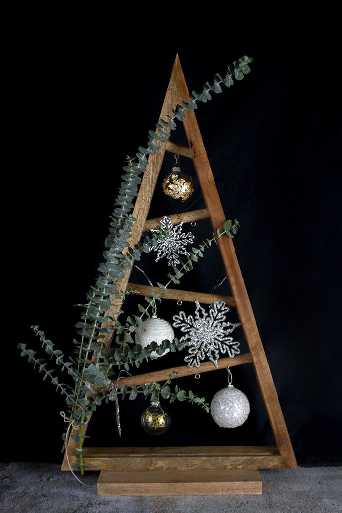 diy weihnachtsbaum mit eukalyptus linda loves diy blog. Black Bedroom Furniture Sets. Home Design Ideas
