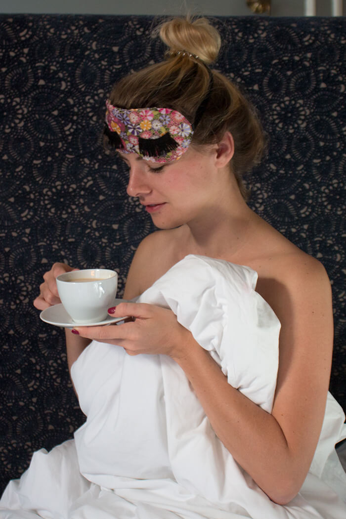 Linda DIY Schlafmaske mit Wimpern selber machen basteln - DIY Blog lindaloves