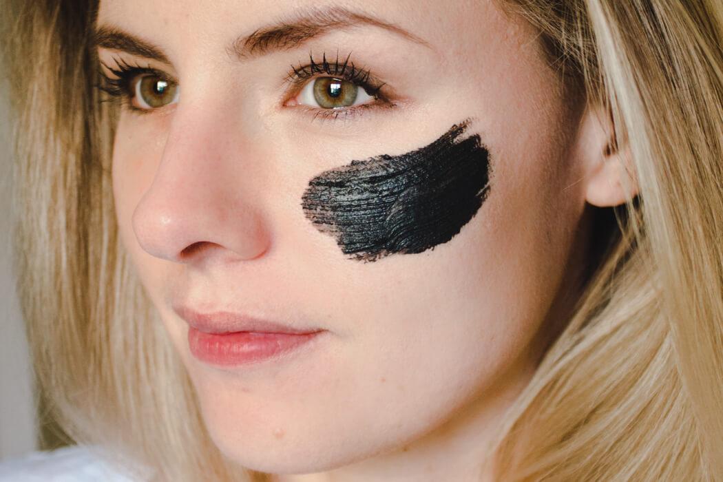 Schwarze Aktivkohle Gesichtsmaske Selber Machen