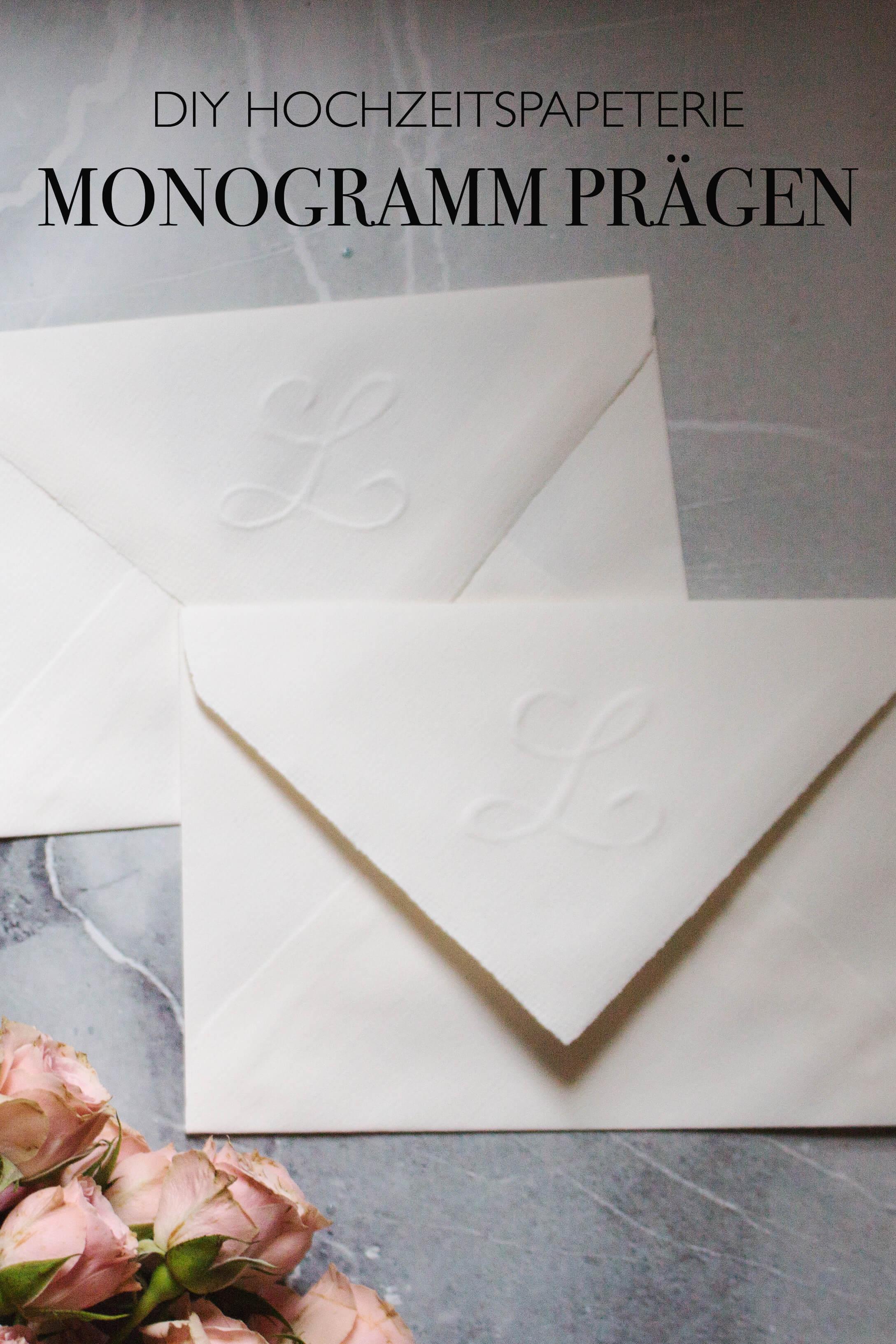DIY Hochzeit Einladungskarten selber machen Briefumschlag Monogramm prägen