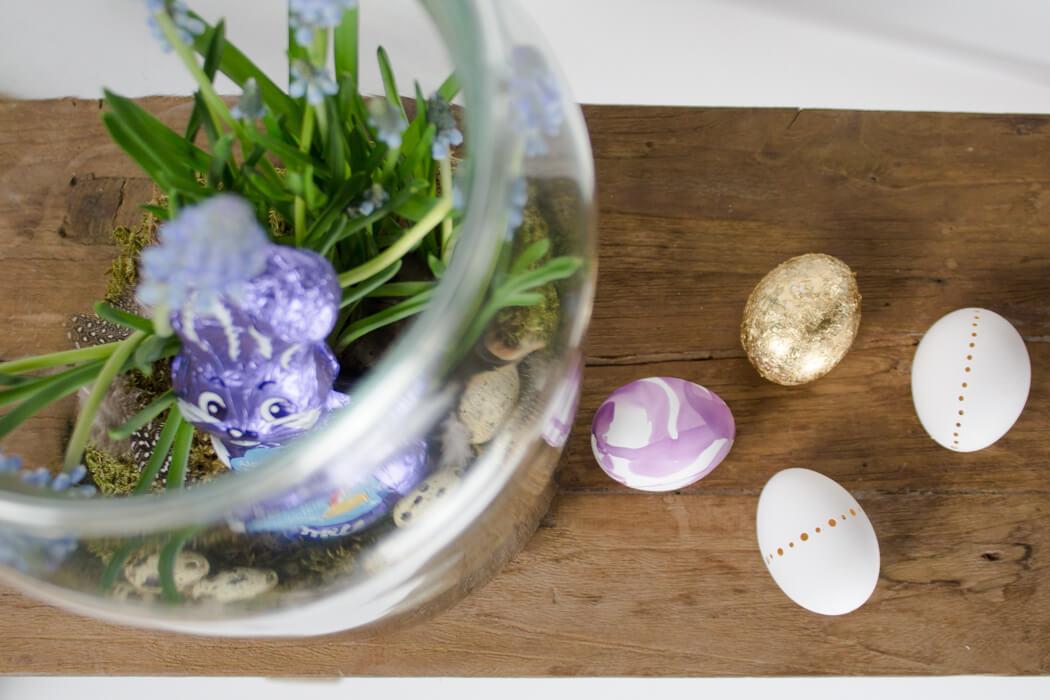 Osterdeko DIY Dekoideen - Ostereier marmorieren - DIY Blog lindaloves.de