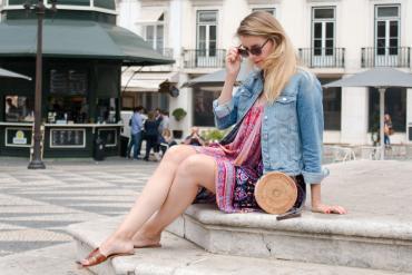 DIY Blog - Handtasche aus Untersetzern selber machen basteln Raffiabag Balibag