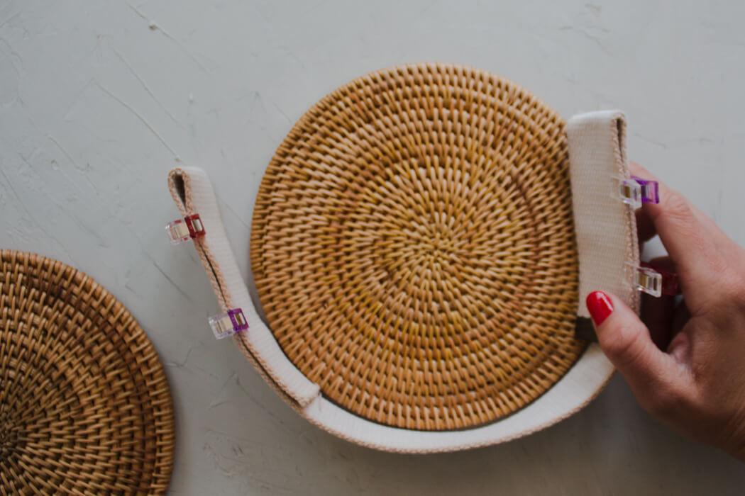 DIY Rattanhandtasche basteln aus Topfuntersetzern - Bali bag Basttasche runde Boho Tasche selber machen - DIY Blog Anleitung ausmessen