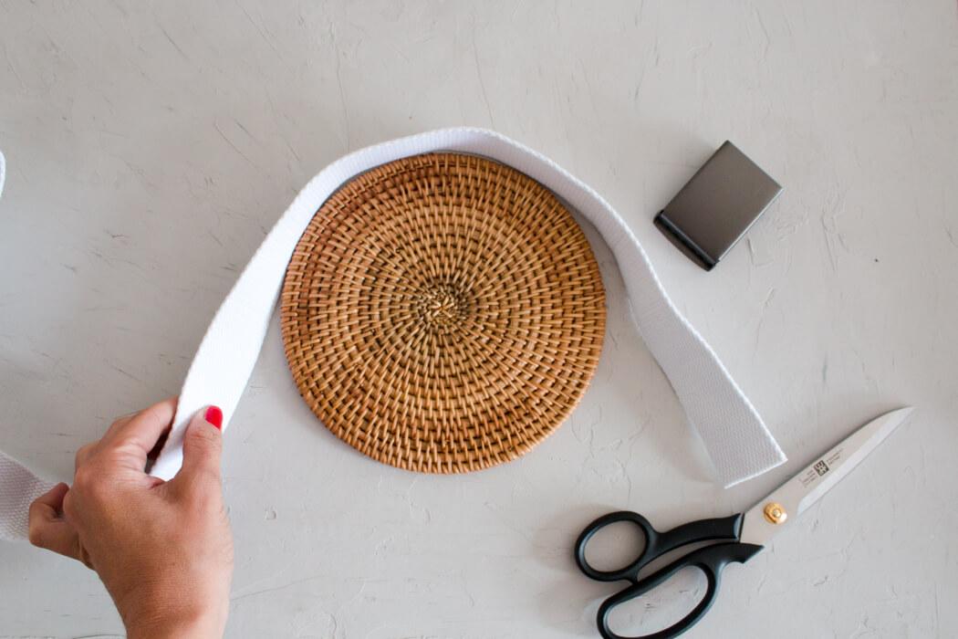 DIY Rattanhandtasche basteln aus Topfuntersetzern - Bali bag Basttasche runde Boho Tasche selber machen - DIY Blog Anleitung Zuschnitt