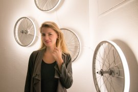 INTERIOR DIY – 3 COOLE IDEEN AUS DEN IBIS STYLES DESIGN HOTELS - ibis Styles Budapest - DIY Lampen aus Fahrradfelgen - Deko Interior Design