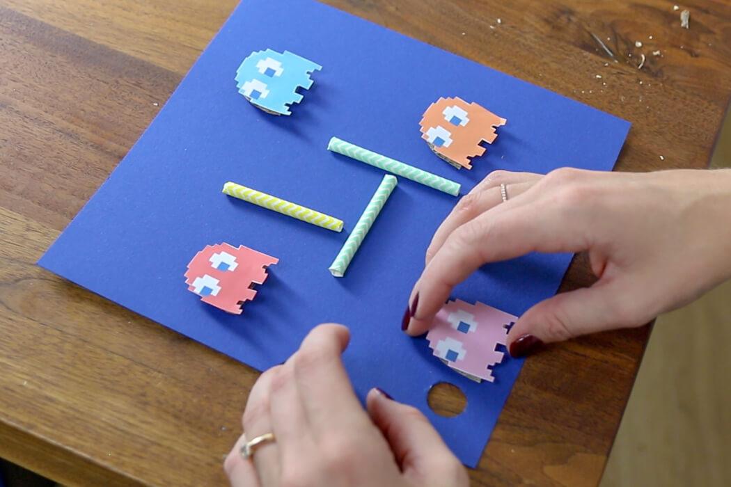 SPIEL AUS BILDERRAHMEN SELBER MACHEN - DIY PACMAN SPIEL INSPIRIERT VOM IBIS STYLES BUDAPEST CENTER - IKEA Hack, DIY Pacman Spiel, Geschicklichkeitsspiel selber machen, Pacman Geister, Kinderzimmerdeko, Offline Pacman Spiel, DIY Spiel, Spiele selber machen, Pacman Spiel, Pacman Geister Spiel
